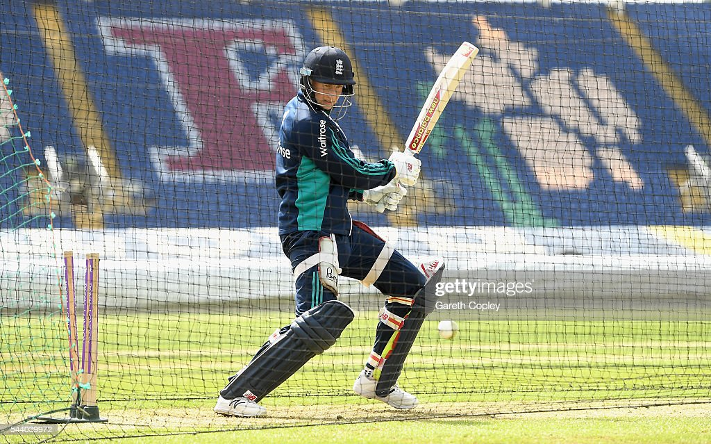 <a gi-track='captionPersonalityLinkClicked' href=/galleries/search?phrase=Joe+Root&family=editorial&specificpeople=6688996 ng-click='$event.stopPropagation()'>Joe Root</a> of England bats during a nets session at SWALEC Stadium on July 1, 2016 in Cardiff, England.