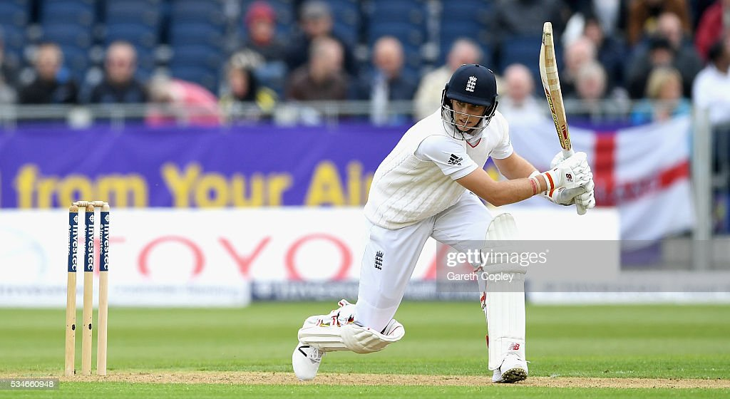 <a gi-track='captionPersonalityLinkClicked' href=/galleries/search?phrase=Joe+Root&family=editorial&specificpeople=6688996 ng-click='$event.stopPropagation()'>Joe Root</a> of England bats during day one of the 2nd Investec Test match between England and Sri Lanka at Emirates Durham ICG on May 27, 2016 in Chester-le-Street, United Kingdom.