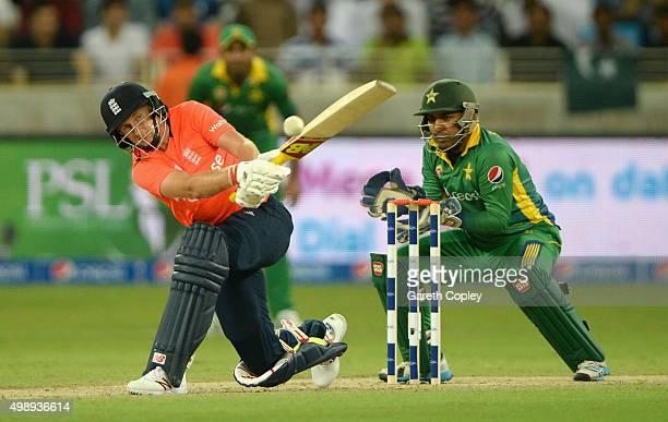 Joe Root of England bats during the 2nd International T20 between Pakistan and England at Dubai Cricket Stadium on November 27 2015 in Dubai United...