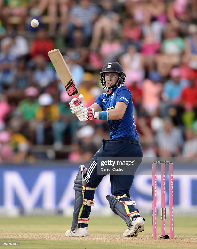 <a gi-track='captionPersonalityLinkClicked' href=/galleries/search?phrase=Joe+Root&family=editorial&specificpeople=6688996 ng-click='$event.stopPropagation()'>Joe Root</a> of England bats during the 4th Momentum ODI between South Africa and England at Bidvest Wanderers Stadium on February 12, 2016 in Johannesburg, South Africa.