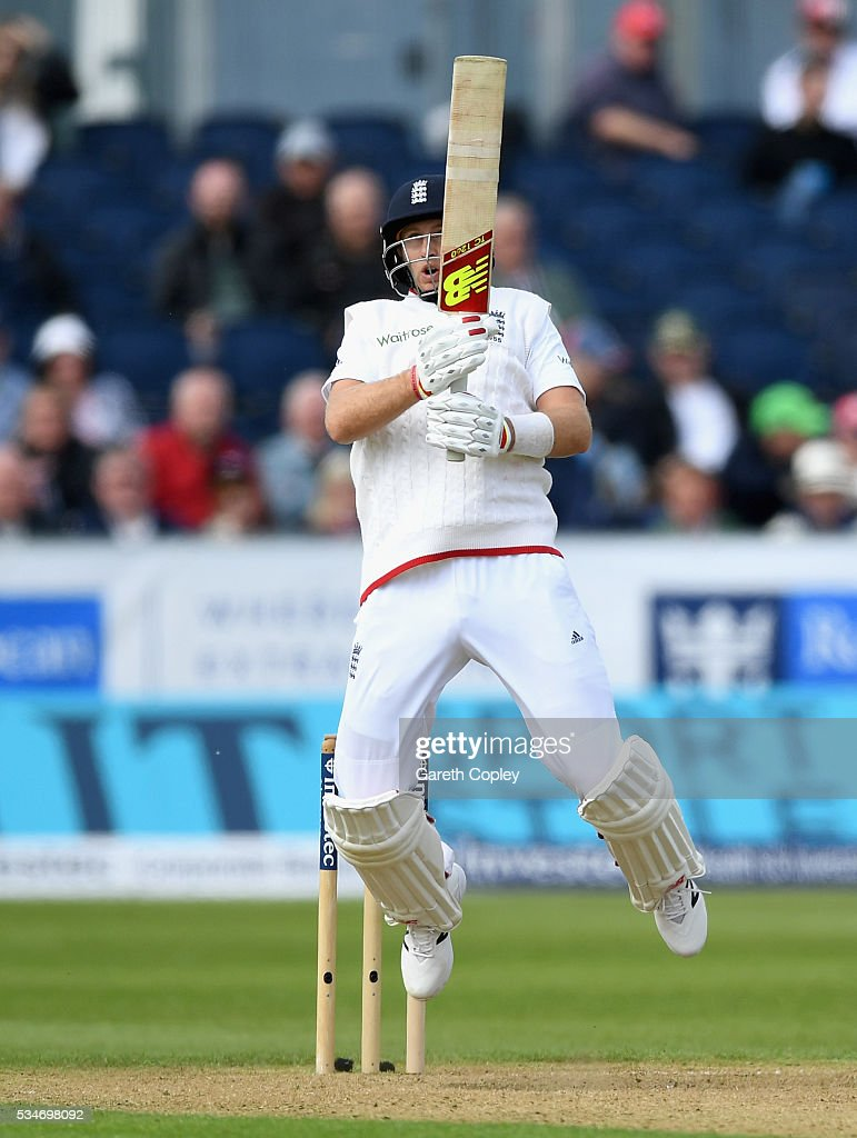 <a gi-track='captionPersonalityLinkClicked' href=/galleries/search?phrase=Joe+Root&family=editorial&specificpeople=6688996 ng-click='$event.stopPropagation()'>Joe Root</a> of England mis hits a shot which is caught out by Kaushal Silva of Sri Lanka during day one of the 2nd Investec Test match between England and Sri Lanka at Emirates Durham ICG on May 27, 2016 in Chester-le-Street, United Kingdom.