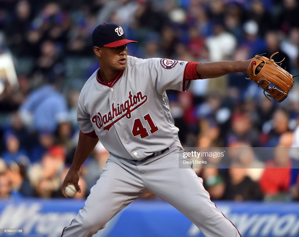 <a gi-track='captionPersonalityLinkClicked' href=/galleries/search?phrase=Joe+Ross+-+Baseballspieler&family=editorial&specificpeople=15050029 ng-click='$event.stopPropagation()'>Joe Ross</a> #41 of the Washington Nationals pitches against the Chicago Cubs during the first inning on May 5, 2016 at Wrigley Field in Chicago, Illinois.