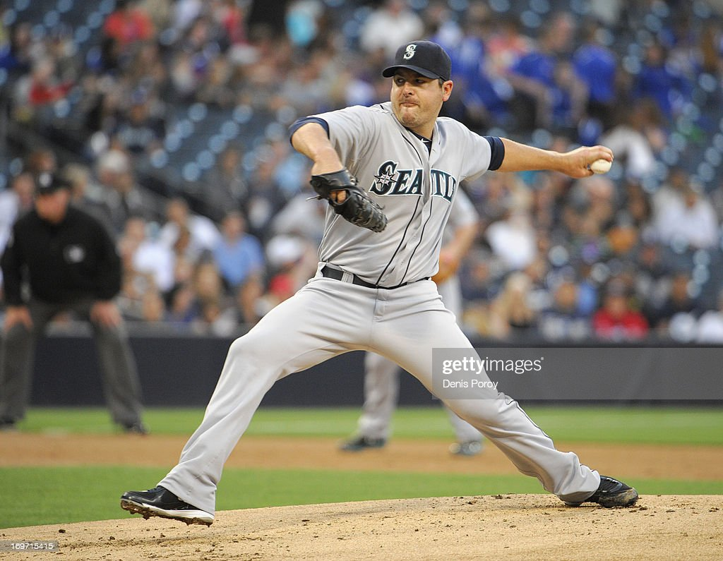 Joe Saunders #23 of the Seattle Mariners pitches during a baseball game against the San Diego Padres at Petco Park on May 29, 2013 in San Diego, California.