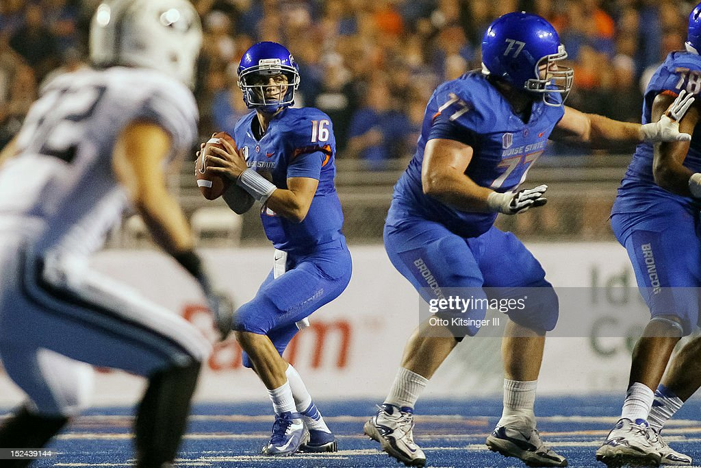 Joe Southwick #16 of the Boise State Broncos looks for a receiver against the BYU Cougars at Bronco Stadium on September 20, 2012 in Boise, Idaho.