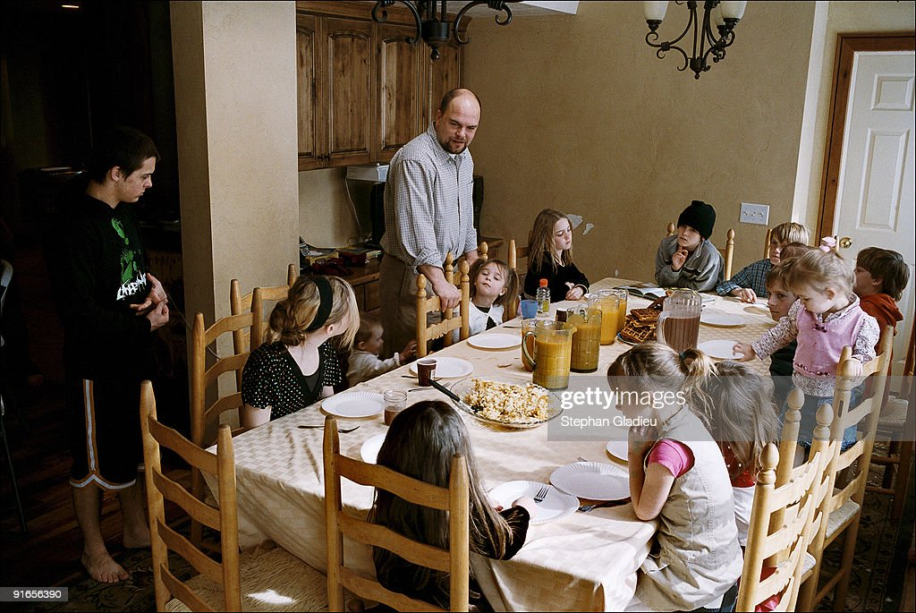 children of polygamy Marion munn moved to utah from britain and joined a fundamentalist sect of the morman church through which he practiced polygamy for she brought five children.