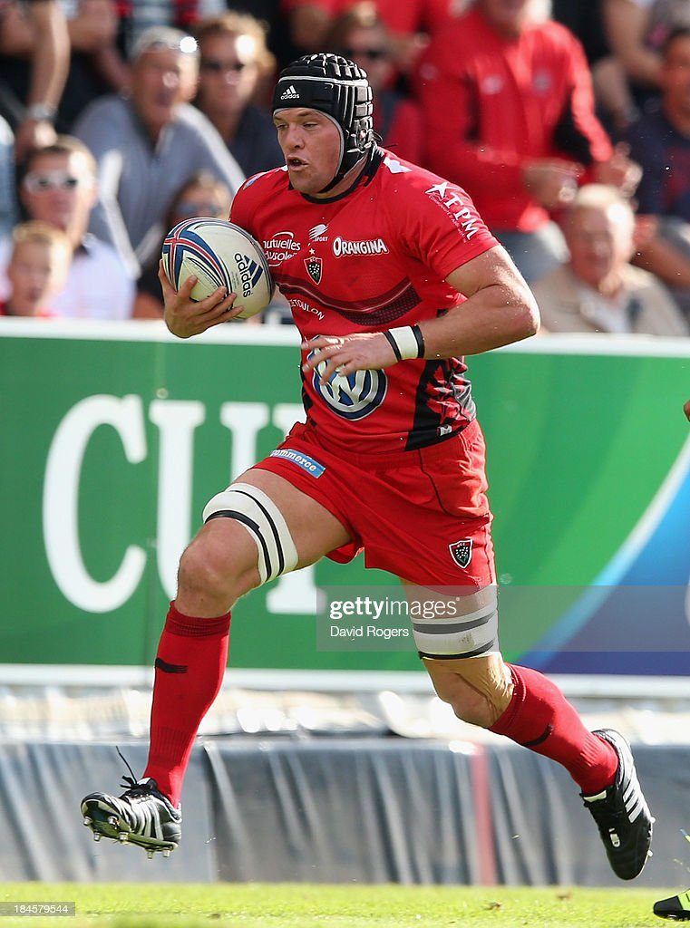 <a gi-track='captionPersonalityLinkClicked' href=/galleries/search?phrase=Joe+van+Niekerk&family=editorial&specificpeople=225015 ng-click='$event.stopPropagation()'>Joe van Niekerk</a> of Toulon runs with the ball during the Heineken Cup Pool 2 match between Toulon and Glasgow Warriors at the Felix Mayol Stadium on October 13, 2013 in Toulon, France.