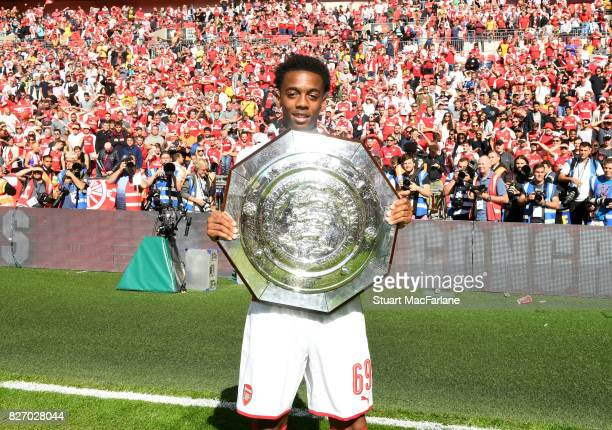 Joe Willock of Arsenal with the Community shield after the FA Community Shield match between Chelsea and Arsenal at Wembley Stadium on August 6 2017...