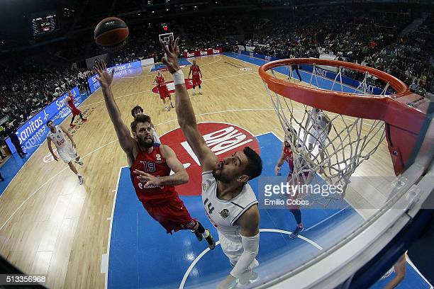 Joel Freeland #19 of CSKA Moscow in action during the 20152016 Turkish Airlines Euroleague Basketball Top 16 Round 9 game between Real Madrid v CSKA...