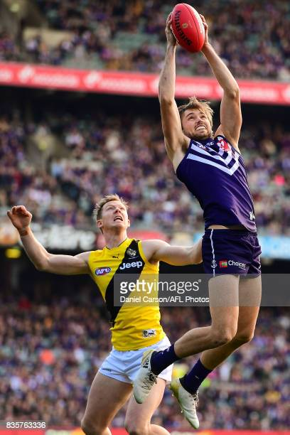 Joel Hamling of the Dockers takes a mark during the 2017 AFL round 22 match between the Fremantle Dockers and the Richmond Tigers at Domain Stadium...