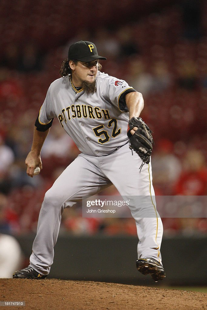 Joel Hanrahan of the Pittsburgh Pirates delivers the pitch during the game against the Cincinnati Reds at Great American Ball Park on September 10...