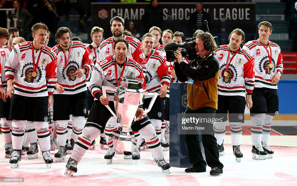<a gi-track='captionPersonalityLinkClicked' href=/galleries/search?phrase=Joel+Lundqvist&family=editorial&specificpeople=624430 ng-click='$event.stopPropagation()'>Joel Lundqvist</a> of Gothenburg lifts the trophy after winning the Champions Hockey League final game between Karpat Oulu and Frolunda Gothenburg at Oulun Energia-Areena on February 9, 2016 in Oulu, Finland.