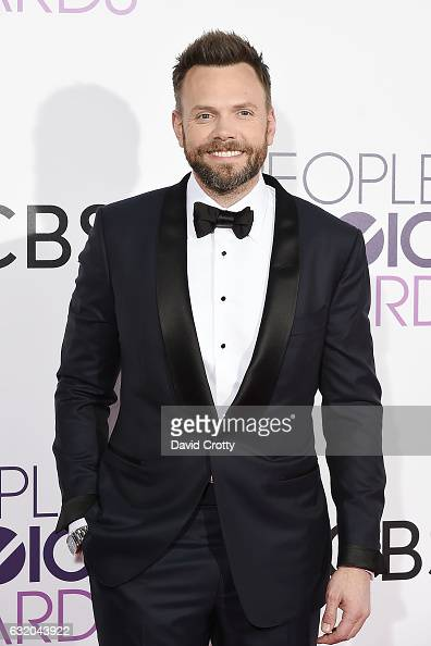 Joel McHale attends the People's Choice Awards 2017 Arrivals at Microsoft Theater on January 18 2017 in Los Angeles California