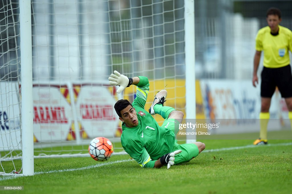 Joel Pereira of Portugal stops a penalty during the International Football Festival tournament of Toulon, third place match between Portugal U20 and Czech Republic U20 on May 29, 2016 in Avignon, France.