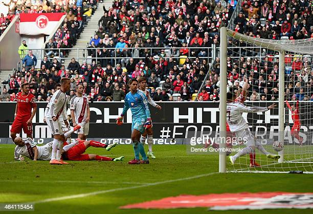 Joel Pohjanpalo of Fortuna Duesseldorf scores the opening goal during the Second Bundesliga match between Fortuna Duesseldorf and 1 FC Nuernberg on...