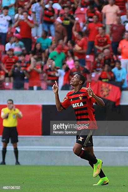 Joelinton of Sport Recife celebrates his goal during the Brasileirao Series A 2014 match between Sport Recife and Sao Paulo at Arena Pernambuco...