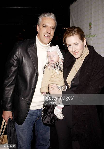 Joely Fisher Chris Duddy child Skylar poses at the 25th Anniversary of The Muppet Show at The Palace in Hollywood California