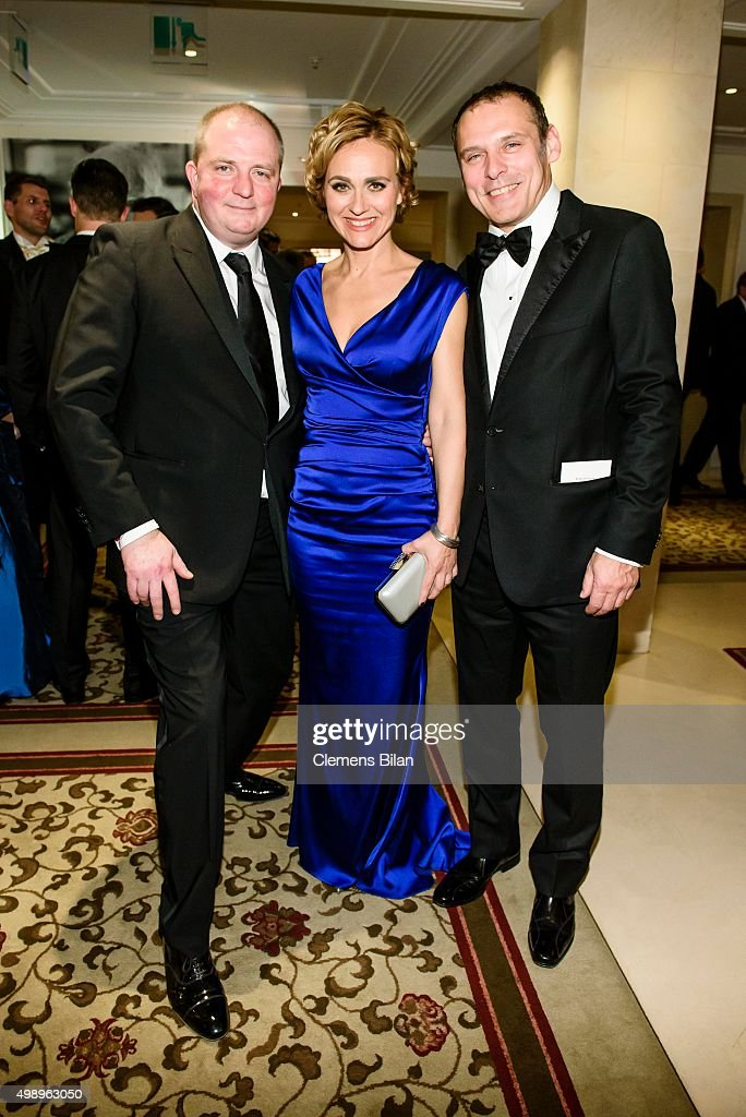Joerg Thadeusz Caren Miosga and her husband Tobias Grob attend the Bundespresseball 2015 at Hotel Adlon on November 27 2015 in Berlin Germany