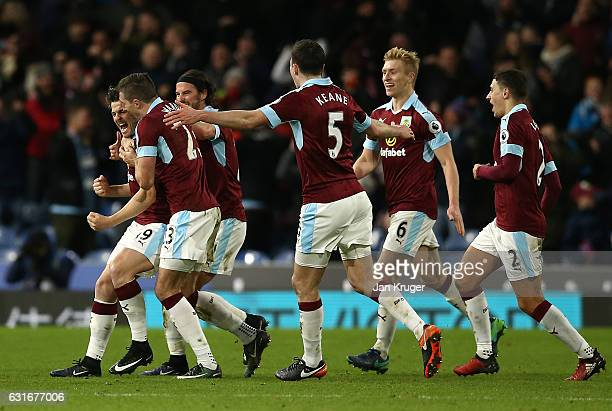 Joey Barton of Burnley celebrates his goal with team mates during the Premier League match between Burnley and Southampton at Turf Moor on January 14...