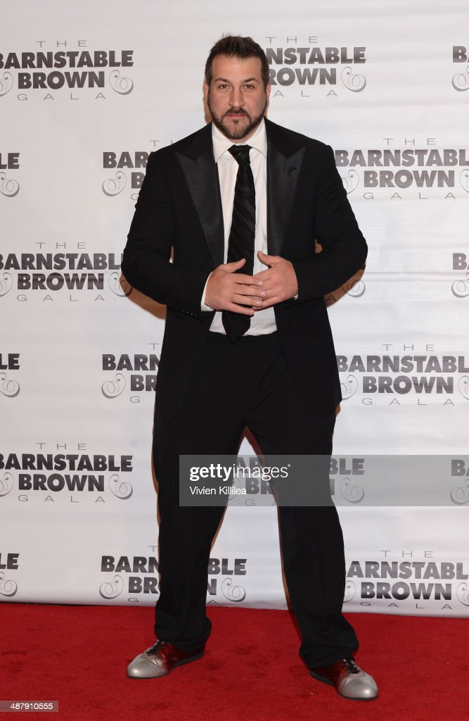 <a gi-track='captionPersonalityLinkClicked' href=/galleries/search?phrase=Joey+Fatone&family=editorial&specificpeople=204237 ng-click='$event.stopPropagation()'>Joey Fatone</a> attends the Barnstable Brown Kentucky Derby Eve Gala at Barnstable Brown House on May 2, 2014 in Louisville, Kentucky.