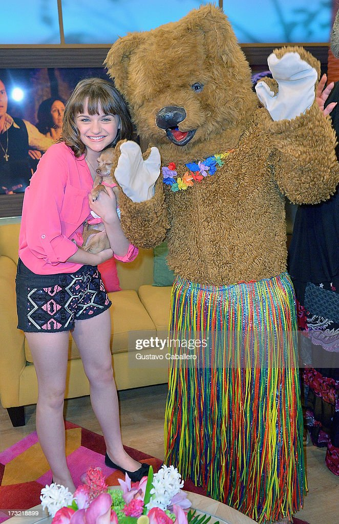 <a gi-track='captionPersonalityLinkClicked' href=/galleries/search?phrase=Joey+King&family=editorial&specificpeople=2264584 ng-click='$event.stopPropagation()'>Joey King</a> visits Univisions 'Despierta America at Univision Headquarters on July 10, 2013 in Miami, Florida.