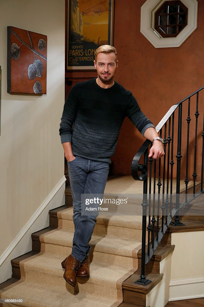 MELISSA & JOEY - <a gi-track='captionPersonalityLinkClicked' href=/galleries/search?phrase=Joey+Lawrence&family=editorial&specificpeople=1521741 ng-click='$event.stopPropagation()'>Joey Lawrence</a> stars as Joe on ABC Family's 'Melissa & Joey.'
