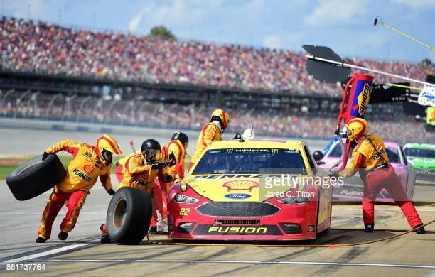 Joey Logano driver of the Shell Pennzoil Ford pits during the Monster Energy NASCAR Cup Series Alabama 500 at Talladega Superspeedway on October 15...