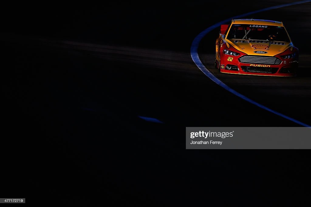 Joey Logano drives the #22 Shell-Pennzoil Ford during qualifying for the NASCAR Sprint Cup Series Kobalt 400 at Las Vegas Motor Speedway on March 7, 2014 in Las Vegas, Nevada.