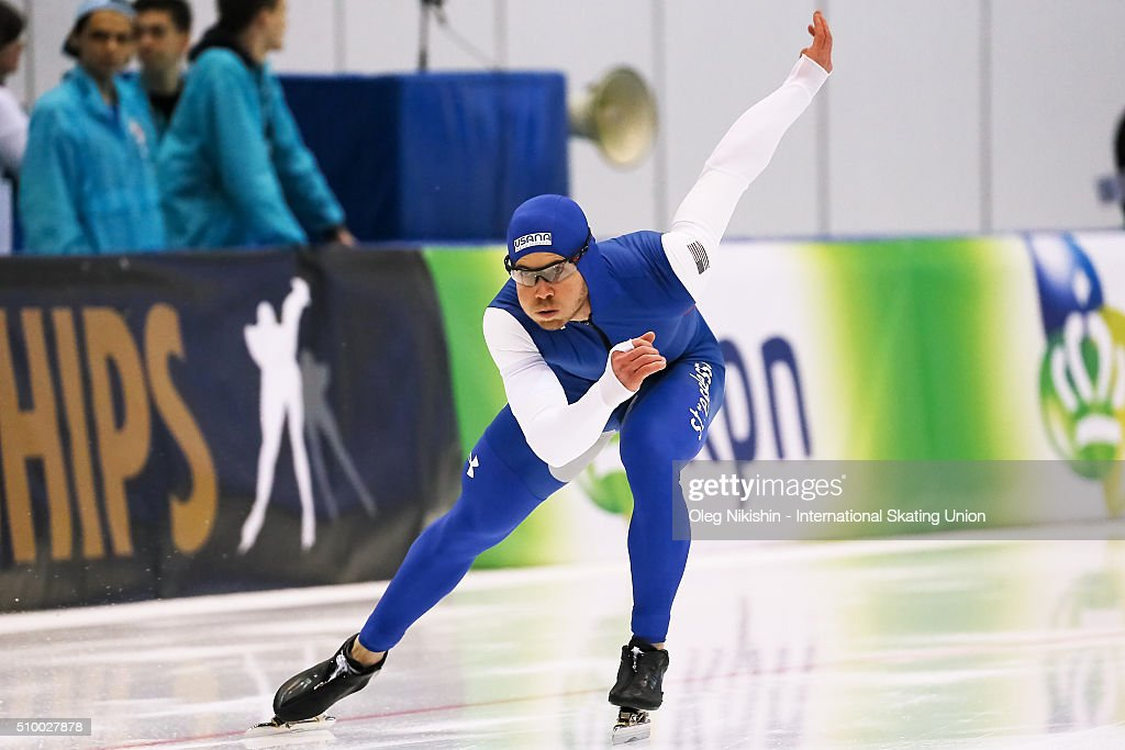 <a gi-track='captionPersonalityLinkClicked' href=/galleries/search?phrase=Joey+Mantia&family=editorial&specificpeople=11623255 ng-click='$event.stopPropagation()'>Joey Mantia</a> of USA competes in the Men 1500 meters race during day 3 of the ISU World Single Distances Speed Skating Championships held at Speed Skating Centre Kolomna Ice Arena on February 13, 2016 in Kolomna, Russia.