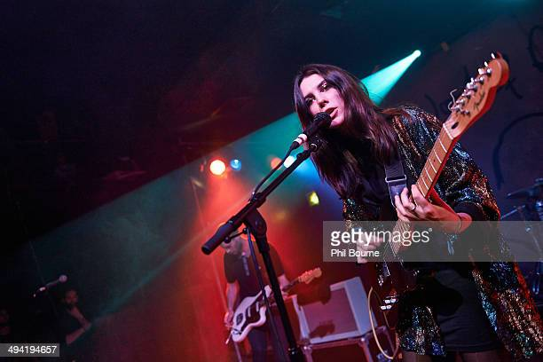Joff Oddie and Ellie Rowsell of Wolf Alice perform on stage at Scala on May 28 2014 in London United Kingdom
