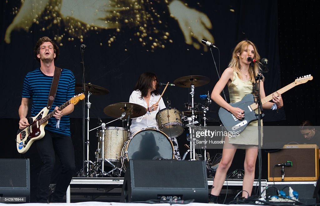 Joff Oddie, Joel Amey, and Ellie Rowsell of Wolf Alice perform on the Pyramid Stage at Glastonbury Festival 2016 at Worthy Farm, Pilton on June 25, 2016 in Glastonbury, England.