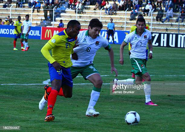 Joffre Guerrón of Ecuador fights for the ball with Ronald Raldes of Bolivia during a match between Bolivia and Ecuador as part of the 16th round of...