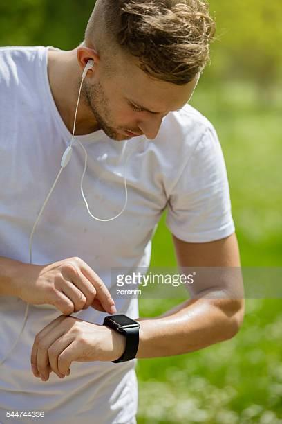 Jogger überprüfen Puls
