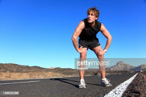 Jogger ruhen nach dem Laufen : Stock-Foto