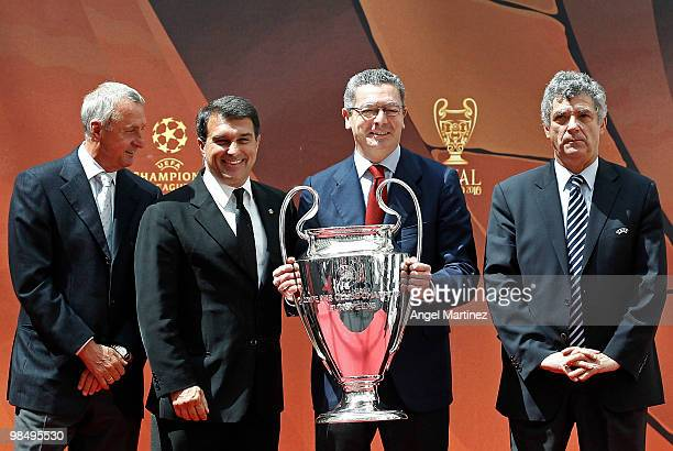 Johan Cruyff honorary president of FC Barcelona Joan Laporta president of FC Barcelona Alberto Ruiz Gallardon mayor of Madrid and Angel Maria Villar...