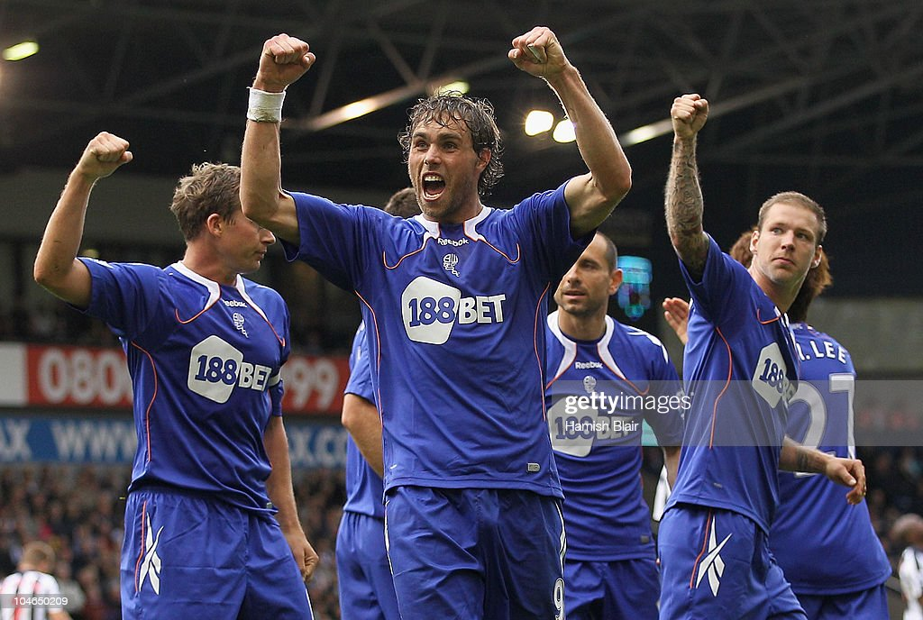 <a gi-track='captionPersonalityLinkClicked' href=/galleries/search?phrase=Johan+Elmander&family=editorial&specificpeople=553763 ng-click='$event.stopPropagation()'>Johan Elmander</a> of Bolton celebrates after scoring his team's first goal during the Barclays Premier League match between West Bromwich Albion and Bolton Wanderers at The Hawthorns on October 2, 2010 in West Bromwich, England.