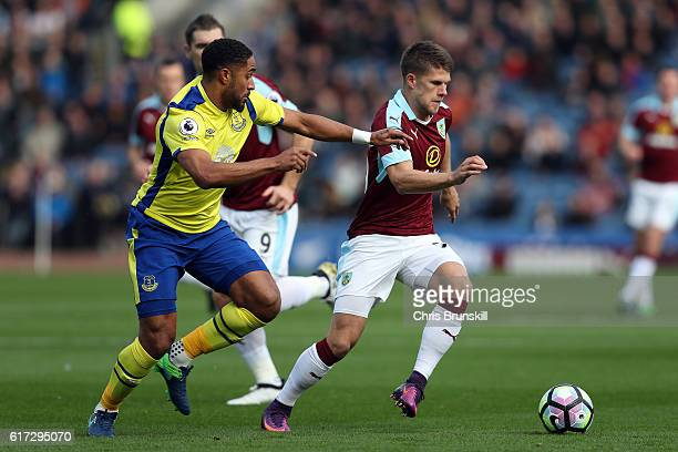 Johann Berg Gudmundsson of Burnley in action with Ashley Williams of Everton during the Barclays Premier League match between Burnley and Everton on...