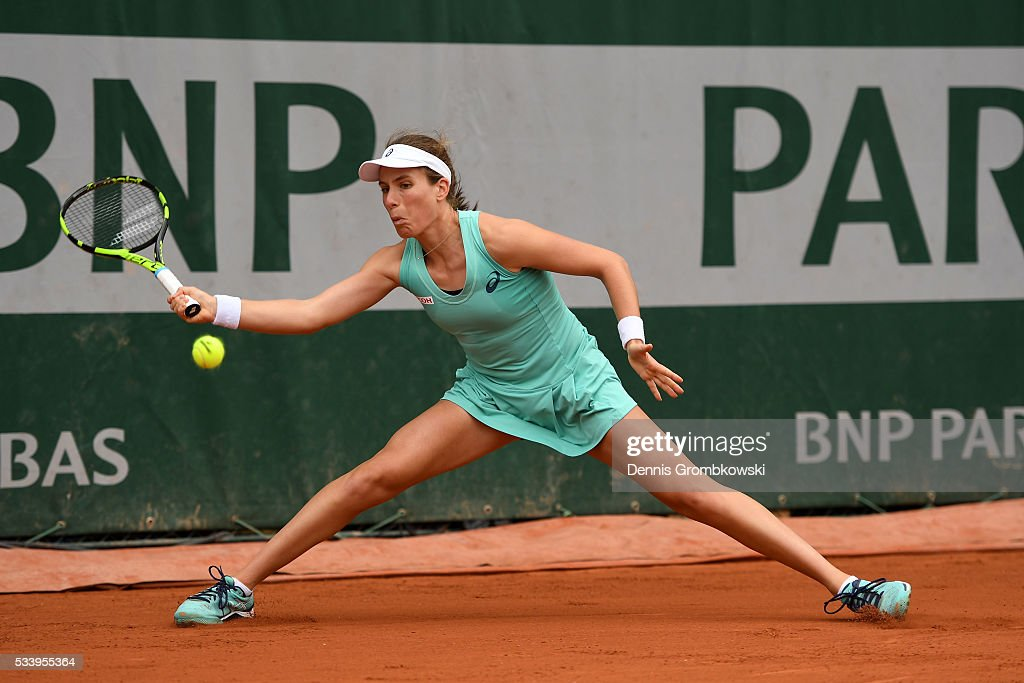 <a gi-track='captionPersonalityLinkClicked' href=/galleries/search?phrase=Johanna+Konta&family=editorial&specificpeople=4482643 ng-click='$event.stopPropagation()'>Johanna Konta</a> of great Britain hits a forehand during the Ladies Singles first round match against Julia Goerges of Germany on day three of the 2016 French Open at Roland Garros on May 24, 2016 in Paris, France.