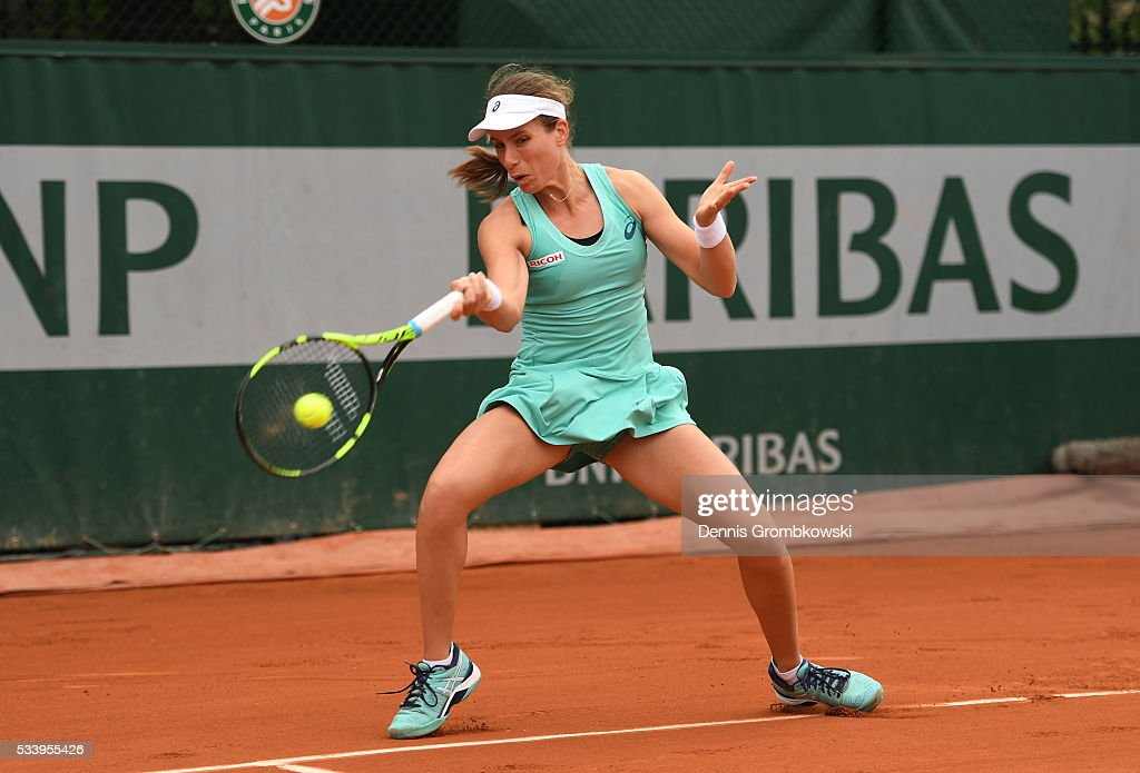 <a gi-track='captionPersonalityLinkClicked' href=/galleries/search?phrase=Johanna+Konta&family=editorial&specificpeople=4482643 ng-click='$event.stopPropagation()'>Johanna Konta</a> of Great Britain plays a forehand during the Ladies Singles first round match against Julia Goerges of Germany on day three of the 2016 French Open at Roland Garros on May 24, 2016 in Paris, France.