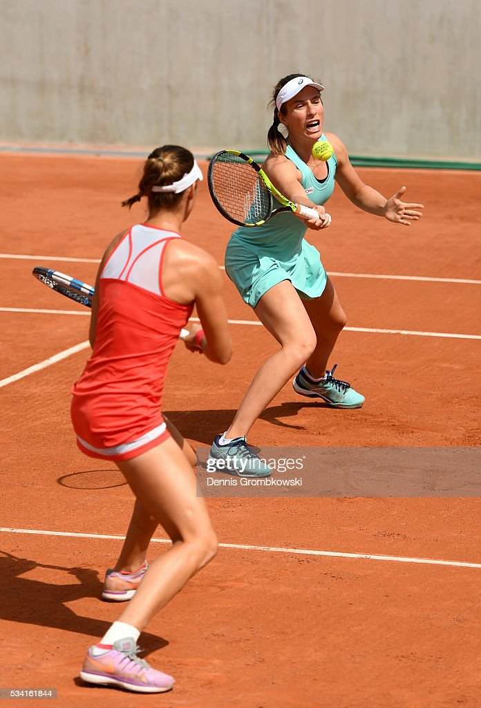 <a gi-track='captionPersonalityLinkClicked' href=/galleries/search?phrase=Johanna+Konta&family=editorial&specificpeople=4482643 ng-click='$event.stopPropagation()'>Johanna Konta</a> of Great Britain plays a forehand during the Women's Double first round match against Raquel Atawo and Abigail Spears of the United States at Roland Garros on May 25, 2016 in Paris, France.