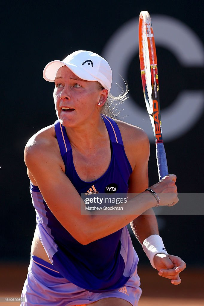 <a gi-track='captionPersonalityLinkClicked' href=/galleries/search?phrase=Johanna+Larsson&family=editorial&specificpeople=6727077 ng-click='$event.stopPropagation()'>Johanna Larsson</a> of Sweden returns a shot to Sara Errani of Italy during the Rio Open at the Jockey Club Brasileiro on February 21, 2015 in Rio de Janeiro, Brazil.
