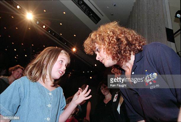 Johanna Lewis gets all tonguetied trying to explain her question to Julie Payette Payette gave a talk showed a video of her spacemission and answered...