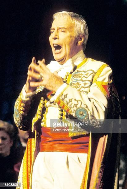 Johannes Heesters ARDTVGala 'Durch dich wird diese Welt erst schön' zum 85 Geburtstag von Johannes Heesters München 'GärtnerPlatzTheater' Sänger...