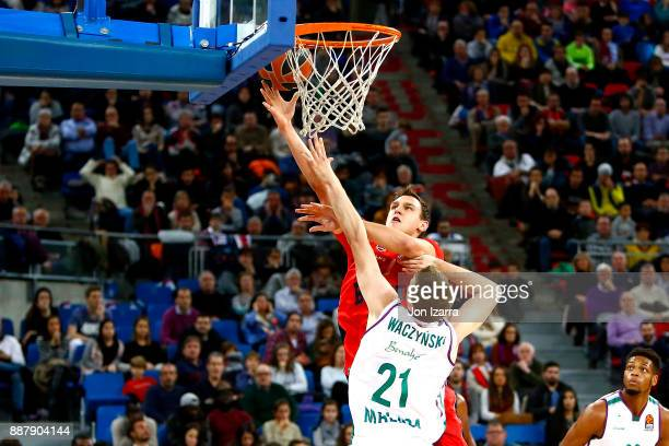 Johannes Voigtmann #7 of Baskonia Vitoria Gasteiz in action during the 2017/2018 Turkish Airlines EuroLeague Regular Season Round 11 game between...