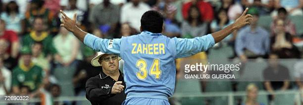 Indian bowler Zaheer Khan succesfully appeals for a LBW 01 December 2006 against South African batsman and Captain Graeme Smith during the Pro 20/20...
