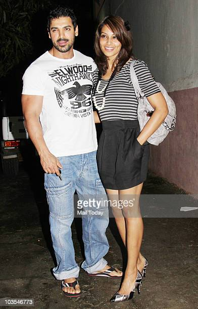 John Abraham and Bipasha Basu at the preview of the film Aashayein in Mumbai on August 21 2010