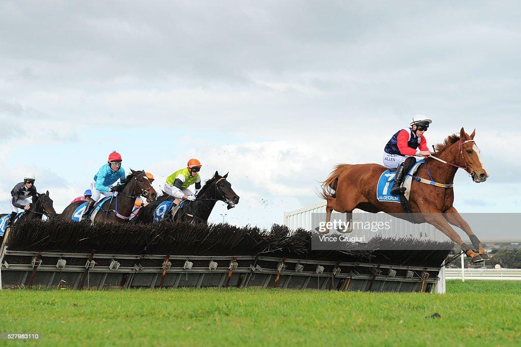 Warrnambool Racing - Galleywood Day