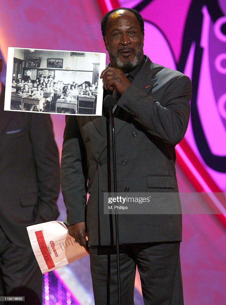 <a gi-track='captionPersonalityLinkClicked' href=/galleries/search?phrase=John+Amos&family=editorial&specificpeople=742646 ng-click='$event.stopPropagation()'>John Amos</a>, winner Anniversary Award for 'Roots' during 5th Annual TV Land Awards - Show at Barker Hangar in Santa Monica, California, United States.