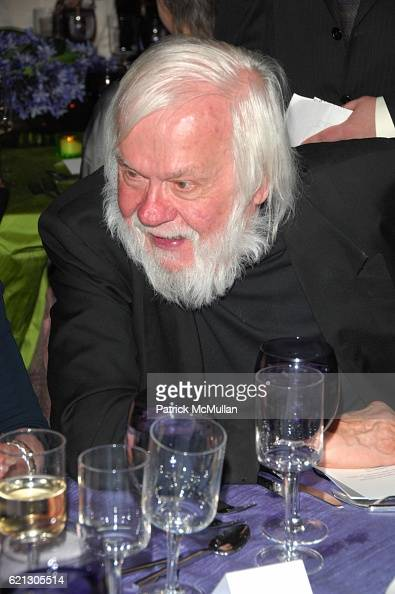 John Baldessari attends Prelude Toasting a New Century at the HARVARD ART MUSEUM at Fogg Museum Cambridge MA on May 17 2008