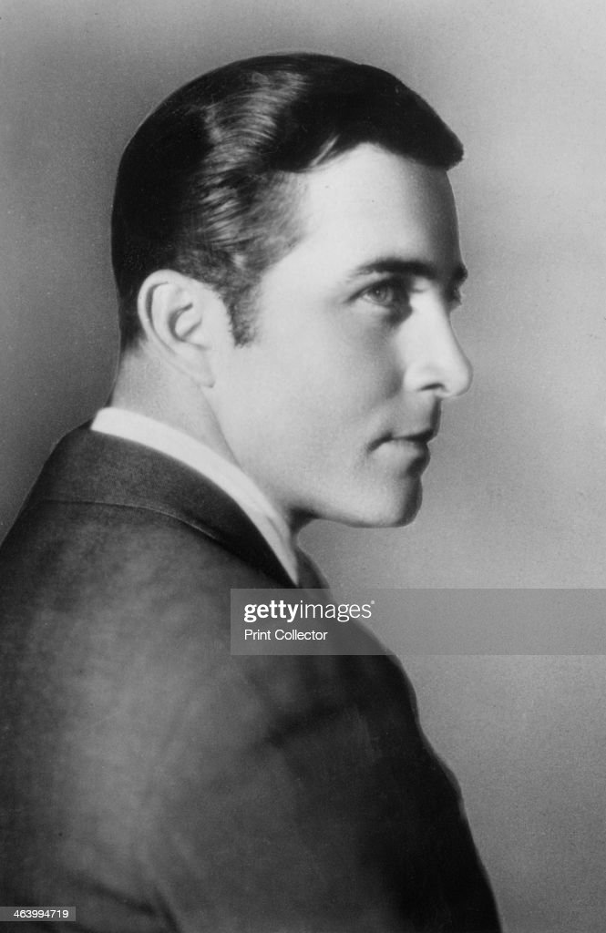 John Boles American actor 20th century Boles started out in Hollywood in the silent movie era but became a huge star with the advent of sound