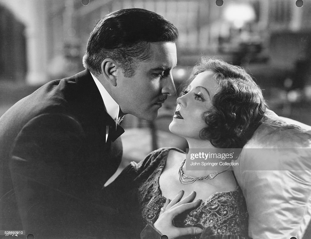John Boles as Paul Vanderkill and Nancy Carroll as Madeleine McGonegal in Child of Manhattan